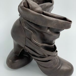 Madden Girl size 7 brown ankle boots